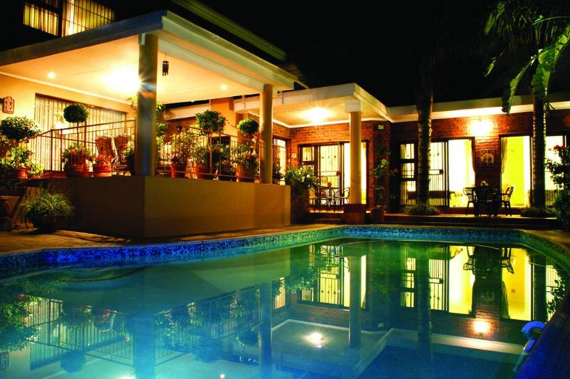 Pool and patio area - Maribelle's B&B - Pretoria - rentals