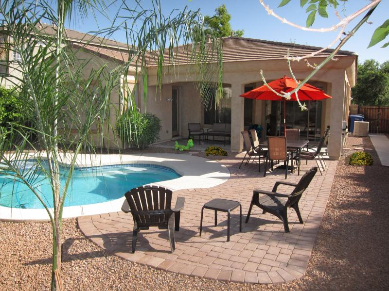 Your Backyard Oasis - Your Backyard Oasis, Beautiful Home in Phoenix - Gilbert - rentals