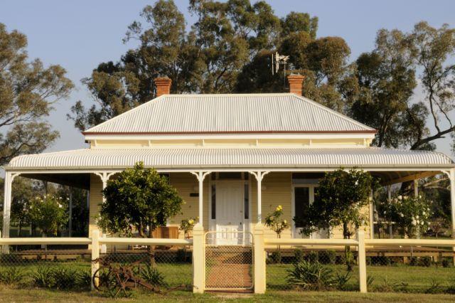 Glen Falloch Farm Cottage, NE Victoria - Image 1 - Benalla - rentals
