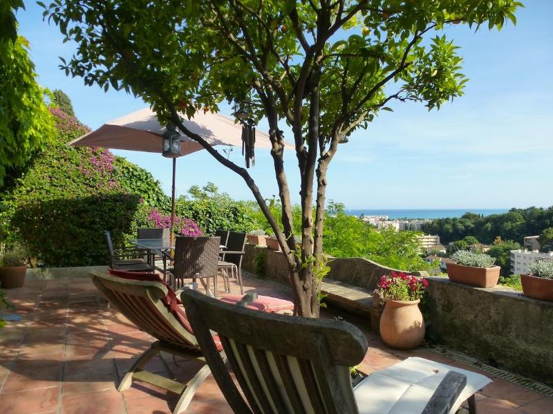 Terrace sea view - Fabulous Home With WiFi, Sea Views & Lovely Garden - Cagnes-sur-Mer - rentals