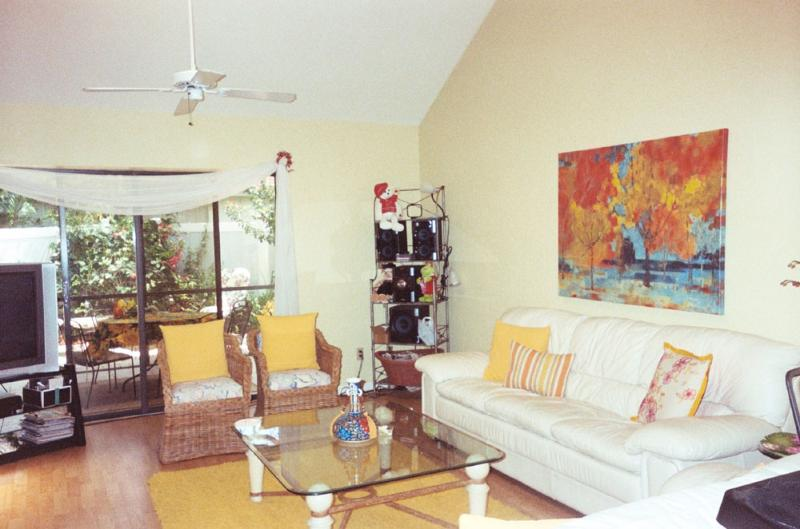 3B/3B attached Villa near Beach and Shopping - Image 1 - Naples - rentals