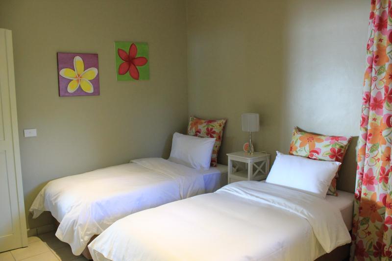 Pretty third bedroom - twin beds - VILLA HEIMANA - Port Vila - rentals