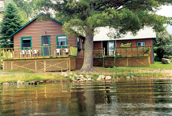 Main Lodge - Slippery Winds Wilderness Lodge, Yoke Lake, NW Ont - Fort Frances - rentals
