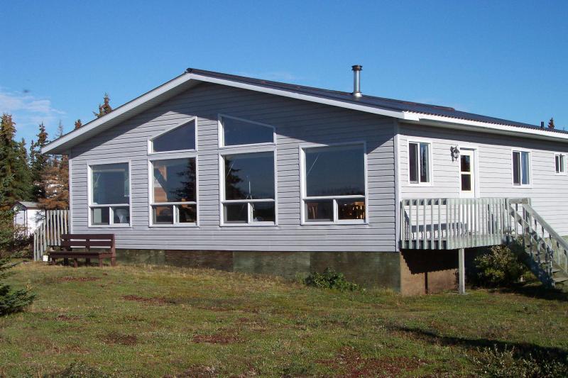 """Snow Goose"" Guest Cabin - Kaska Goose Lodge, Hudson Bay Lowlands, N Manitoba - Gillam - rentals"