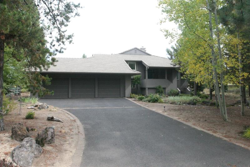 26 Winners Circle, SHARC Passes, Woodlands Golf - Image 1 - Sunriver - rentals
