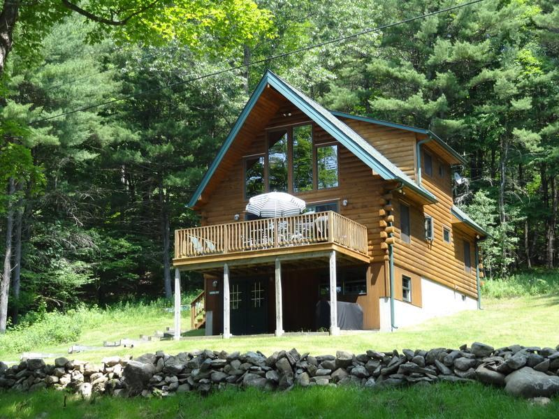 Summer - Beautifully decorated & immaculate log chalet - Hillsdale - rentals