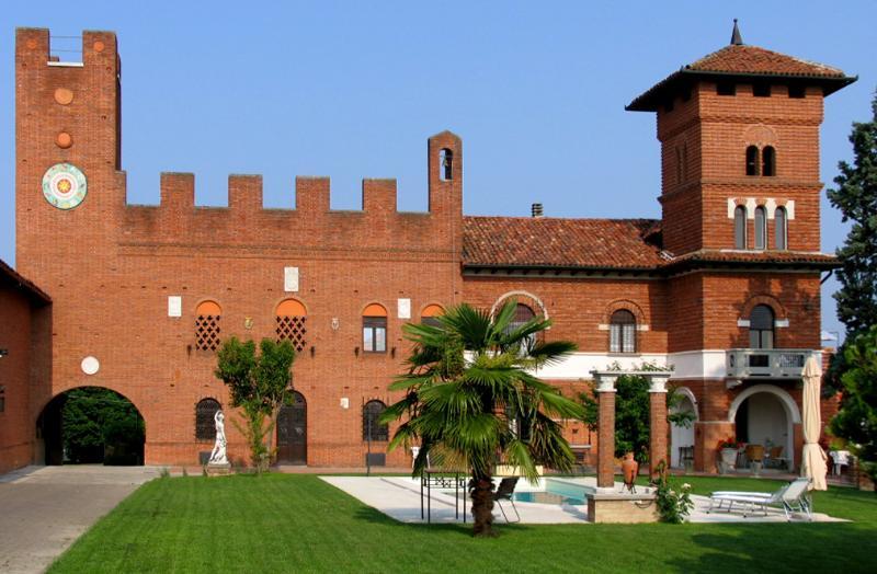 Tenuta Morgnano: Garden/Pool - ASTI - Tenuta Morgnano B&B, Antignano €68/night - Asti - rentals