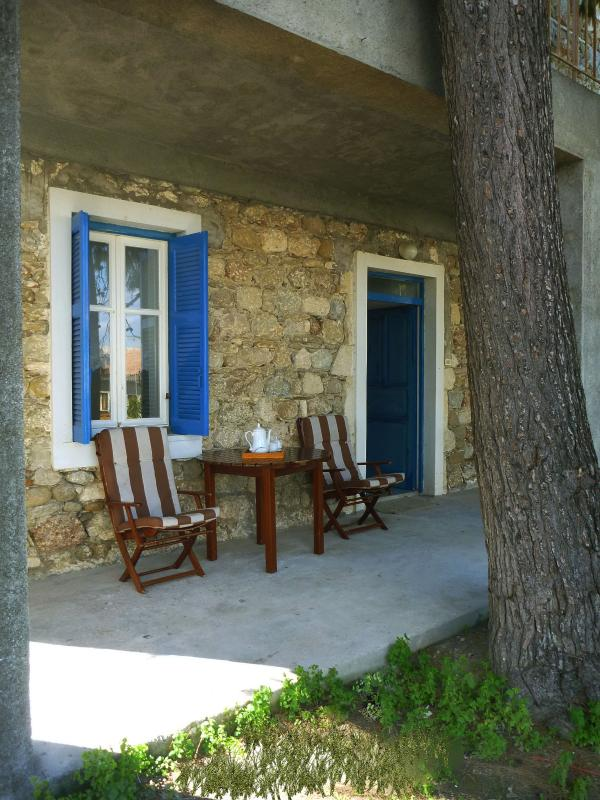 Northern yard - Stonehouse near the sea in Pelopones (Wi-Fi) - Xylokastro - rentals