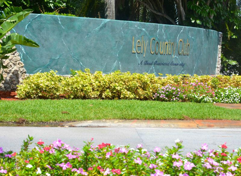 Seasonal/ Lely Golfview Pool Home 3/2 plus den/off - Image 1 - Naples - rentals