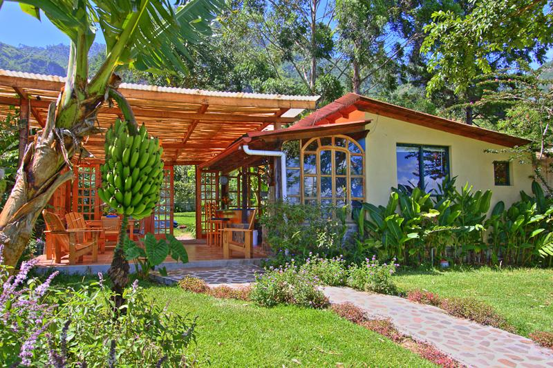 Lake Shore Retreat is yours to enjoy - Lake Shore Retreat. - Santa Cruz La Laguna - rentals