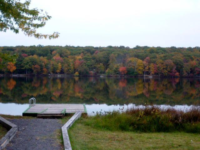 See the Fall Colors up close - From the Dock at the house. - Sparkling Lake Vista...privacy and views await! - Milford - rentals