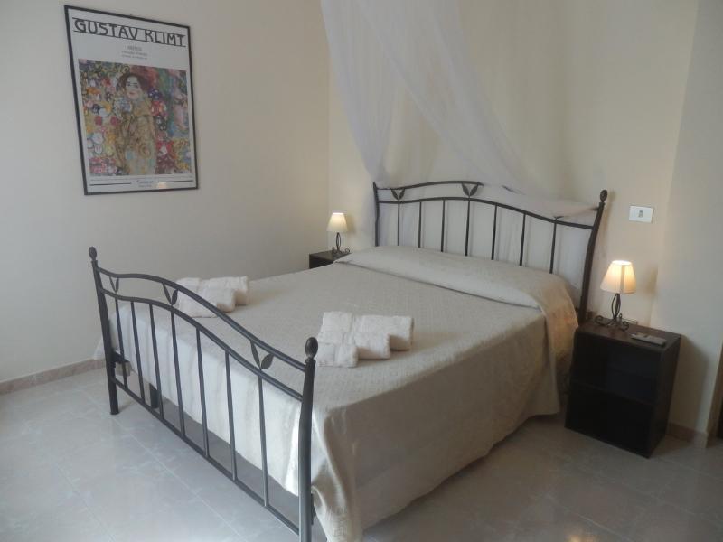 Double bedroom - GREENFISH HOUSE, FERTILIA-ALGHERO - Alghero - rentals