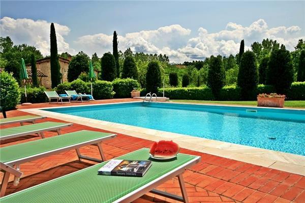 6 bedroom Villa in San Gimignano, Tuscany, Italy : ref 2069049 - Image 1 - Montecchio - rentals