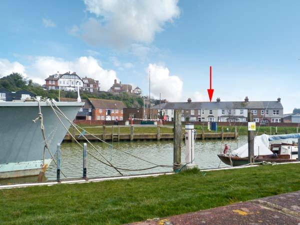 RIVERSIDE APARTMENT next to river, romantic retreat in Rye Ref 22886 - Image 1 - Rye - rentals