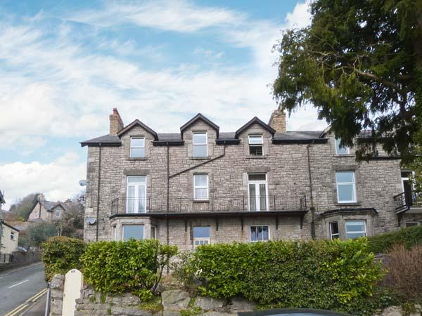 HOLIDAY COTTAGE, wing of a Victorian house, pet-friendly, off road parking, in Grange-over-Sands, Ref 23484 - Image 1 - Cumbria - rentals