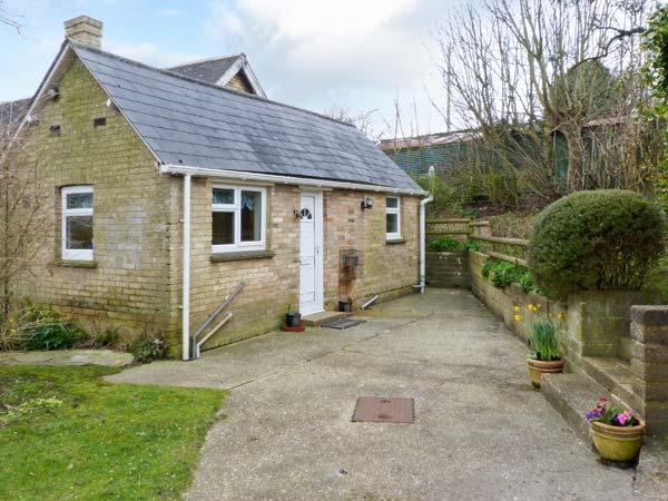 STONEWIND FARM, pet-friendly single-storey cottage in Totland Ref 23533 - Image 1 - Totland - rentals