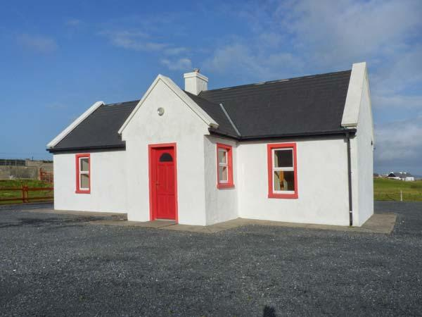 LAKESIDE COTTAGE 2, shared enclosed garden, on Achill Island, Ref 23701 - Image 1 - Mayobridge - rentals