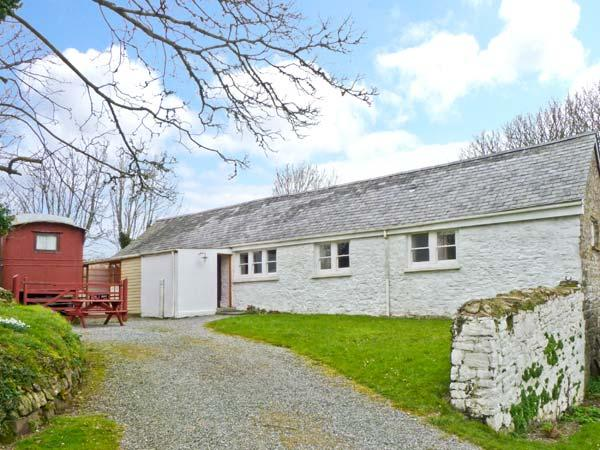THE LONG BARN, converted milking parlour, single-storey, pet-friendly, near Little Haven, Ref 23757 - Image 1 - Little Haven - rentals