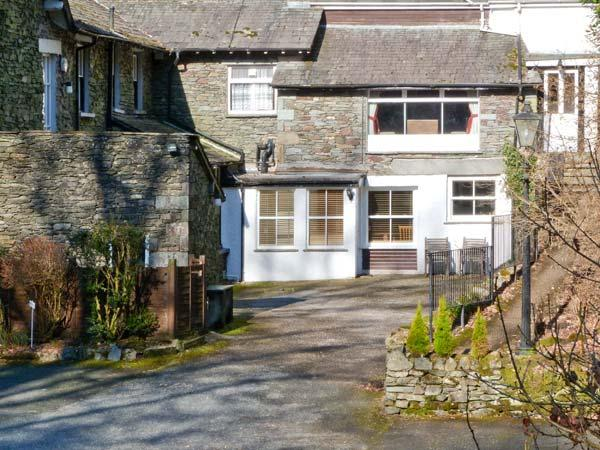 RAMBLERS ROOST, pet-friendly apartment, shared grounds with lake views, Grasmere Ref 23953 - Image 1 - Grasmere - rentals