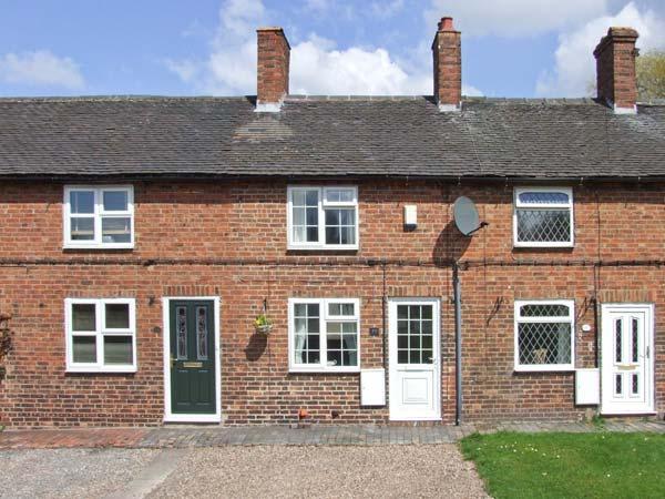 MILL WHEEL COTTAGE, woodburner, courtyard, touring base, Hartshorne Ref 23982 - Image 1 - Hartshorne - rentals