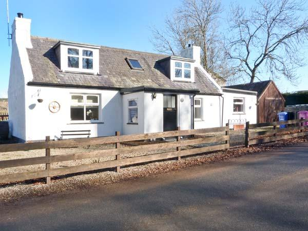 BURNSIDE COTTAGE, quality cottage on Whisky Trail, close to River Spey, Marypark, Aberlour Ref 24218 - Image 1 - Aberlour - rentals