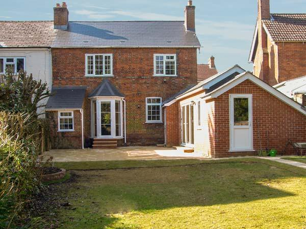GORDON'S HOUSE, luxury, pet-friendly, enclosed garden, in Andover, Ref 14325 - Image 1 - Andover - rentals