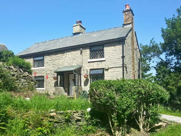 THE COTTAGE, cosy pet-friendly cottage with woodburner, WiFi and country views near Glossop Ref 15706 - Image 1 - Glossop - rentals