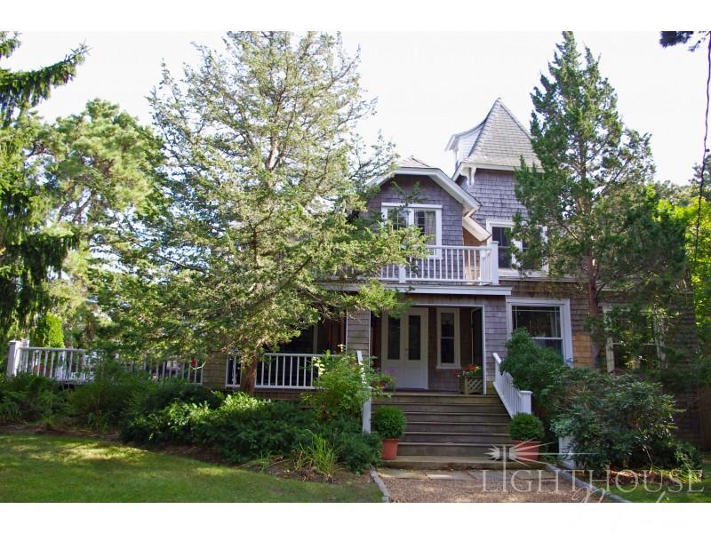 11 Arlington Avenue - Image 1 - Oak Bluffs - rentals