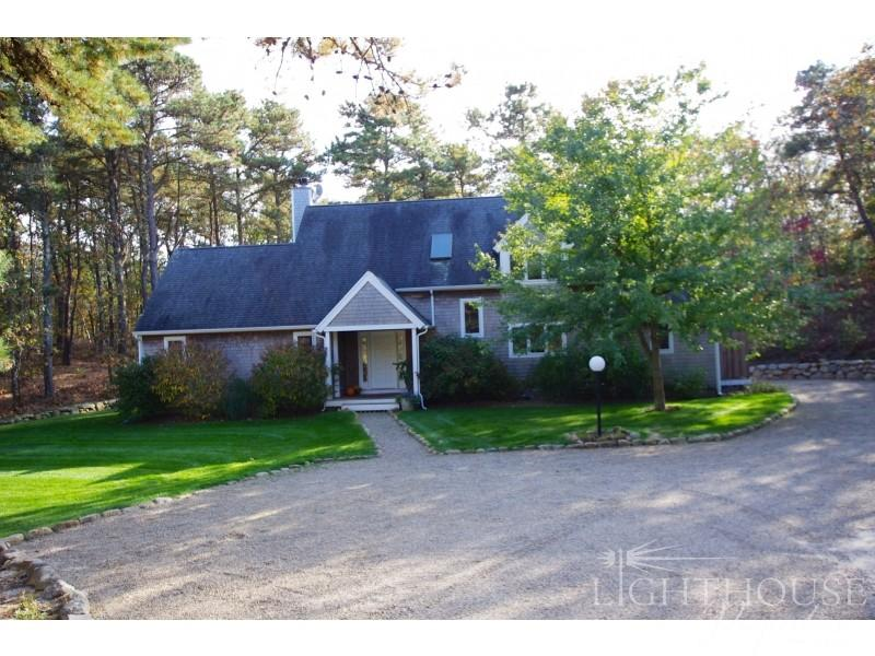 14 West Meadow Lane - Image 1 - Oak Bluffs - rentals