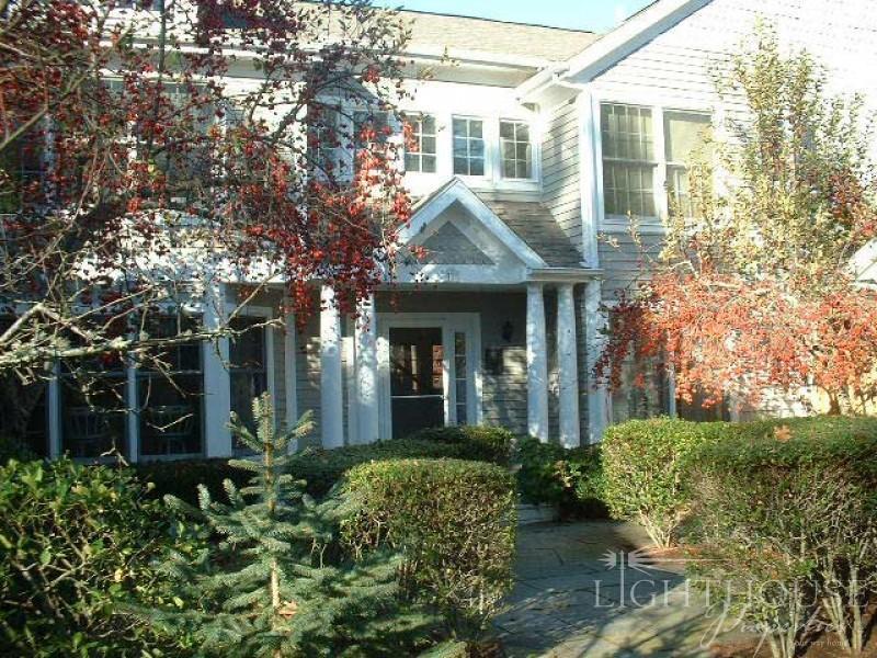 77 Cove Road unit 11 - Image 1 - Vineyard Haven - rentals