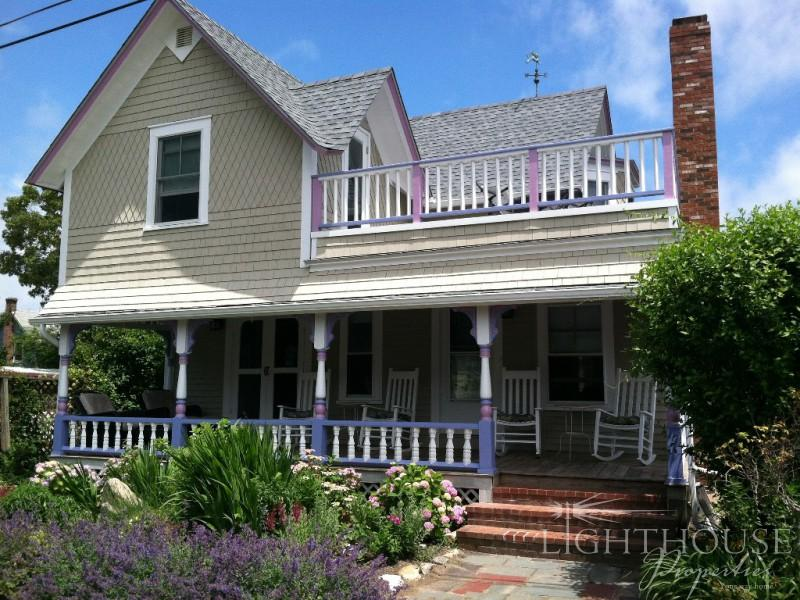 31 Narragansett Avenue - Image 1 - Oak Bluffs - rentals