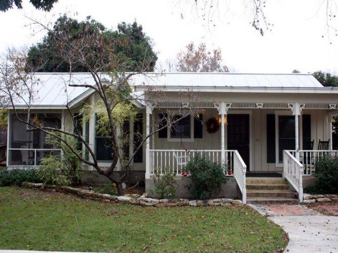 Creek Street: Cottage - Image 1 - Fredericksburg - rentals