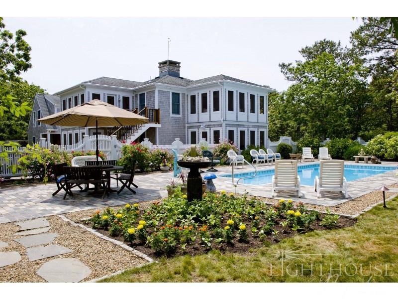 7 Chapel Avenue - Image 1 - Edgartown - rentals