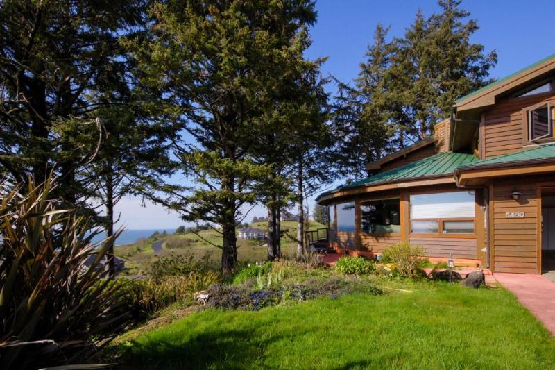Dog-friendly Sahhali Shores home with great ocean views & private hot tub! - Image 1 - Neskowin - rentals