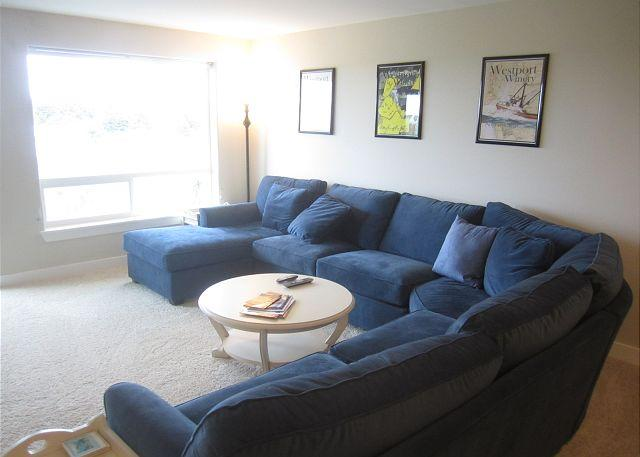 Unit 1025 Living Room - Luxury oceanview condo with great views.  Walk to beach & lighthouse! - Westport - rentals
