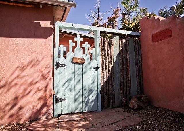 Casita Patron I - Private Patio, Kiva Fireplace, Hot Tub, Walk to Plaza - Image 1 - Santa Fe - rentals