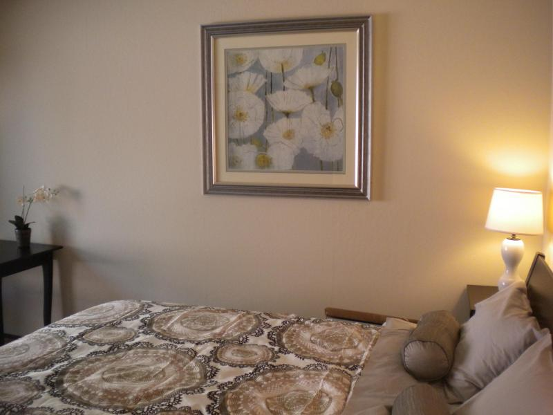 Super comfortable and spacious bedroom with queen size bed overlooks private sunny patio. - Quiet and Serene in Santa Cruz - Santa Cruz - rentals