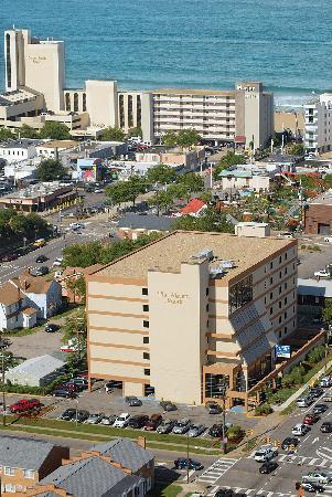 Atrium Resort - Atrium Resort Virginia Beach FREE Aquarium Visit - Virginia Beach - rentals