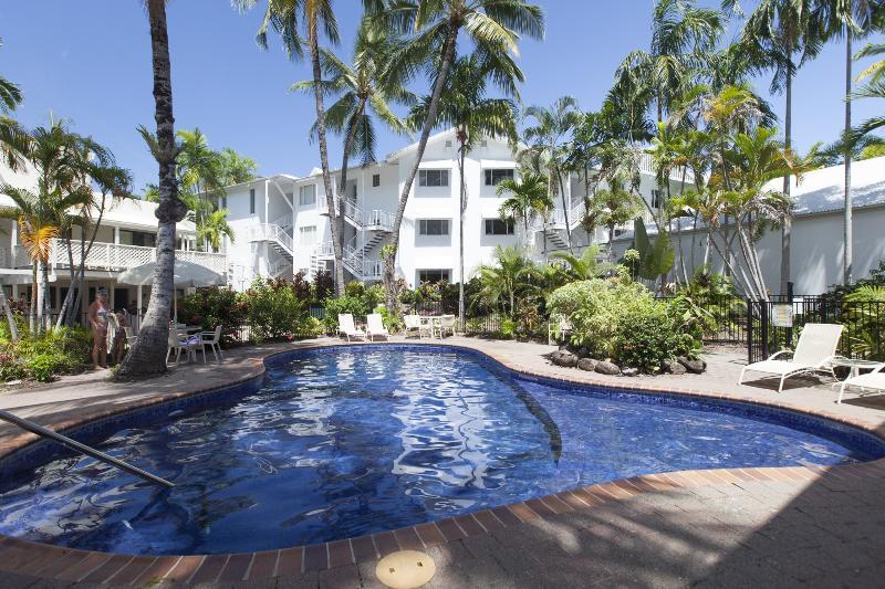 Pool - 2 Bedroom Absolute Beachfront - Port Douglas - rentals