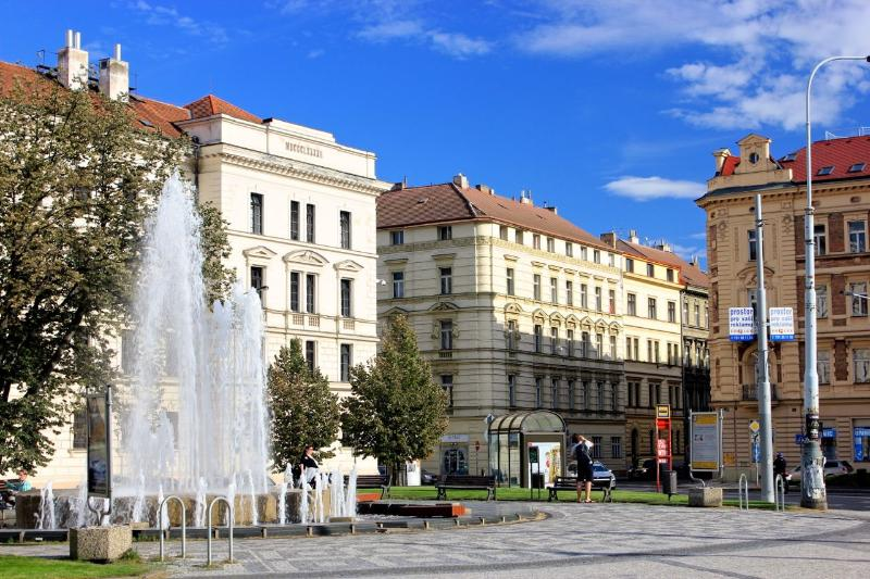Kinsky Square with its fountain - Prague Center 2+1 Aparment - Prague - rentals