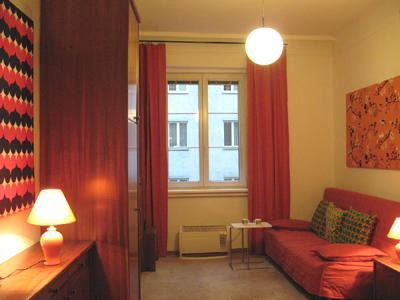 Sofa / Sleeping Sofia in Main Room - Studio Apartment at Kardinal Nagl Platz Square - Vienna - rentals