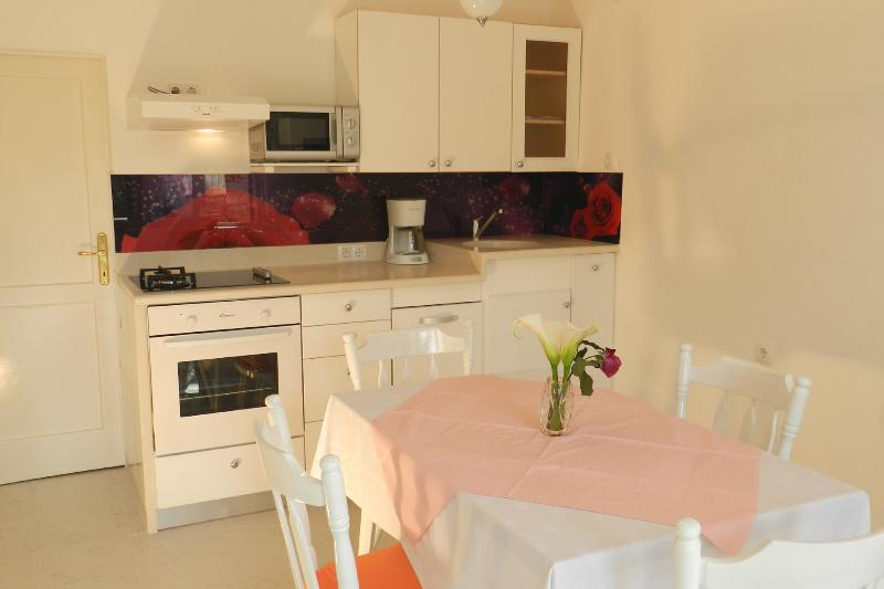 kitchen / dining room - Apartment A2+2 near the beach - Vodice - rentals