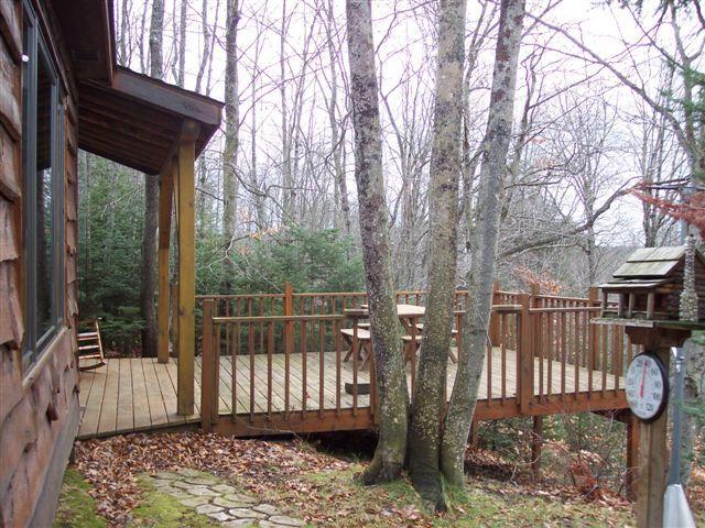 Deck - Stutts Creek Retreat - Munising - rentals