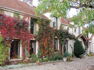 la maison en automne - Bed & Breakfast - La Houssaye-en-Brie - rentals