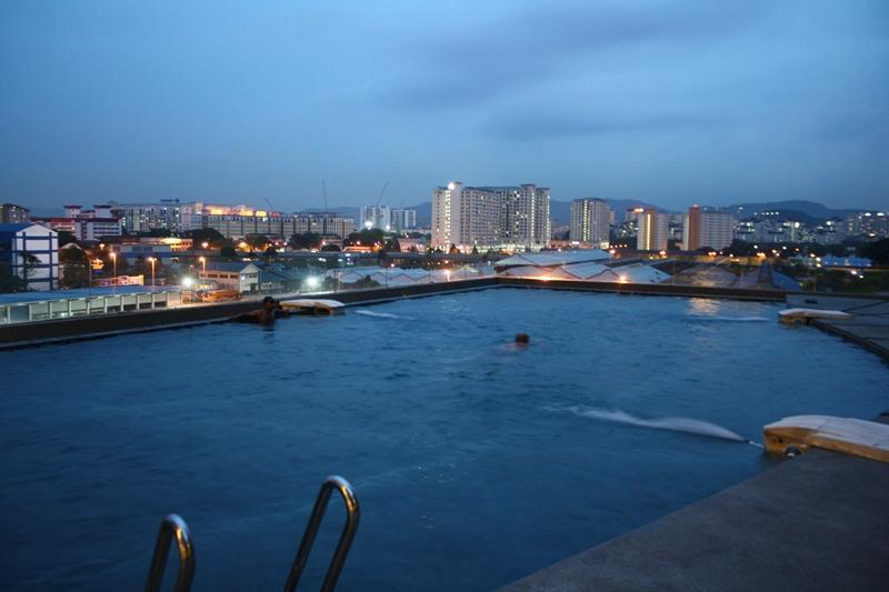 View Of KL Skyline From Swimming Pool - Modern City Apartment - Kuala Lumpur - rentals
