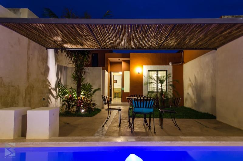 NIGHT FROM POOL - CASA FRIDA- MEXICAN BEAUTY-LOVELY PATIO & POOL!! - Merida - rentals