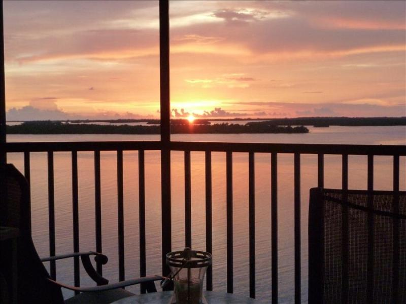 Bay View Tower #733 - Sanibel Harbour Resort - Image 1 - Fort Myers - rentals
