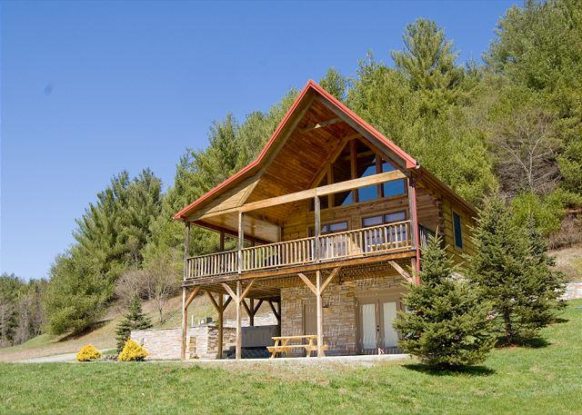 New River Cabin - Walking Distance to Canoe Outfitters - Hot Tub - Wi-Fi - Image 1 - Piney Creek - rentals