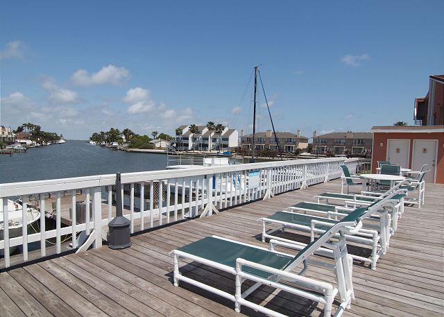 Outdoor Pool - The Fisherman's Getaway is recently remodeled condo that is ON THE WATER! - Corpus Christi - rentals