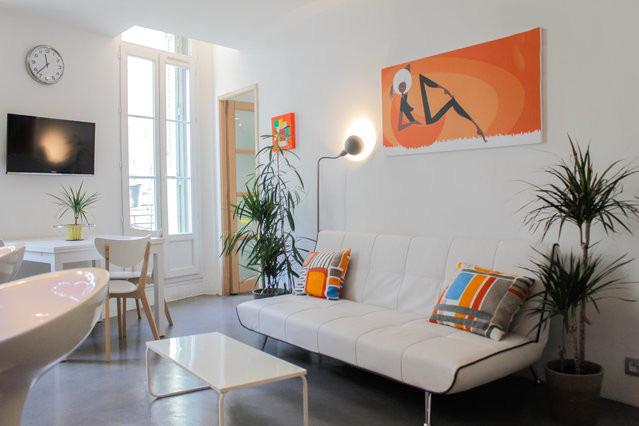 sofa & TV - Sunny, 3 Star Marseille Apartment with WiFi, by the Sea and City - Marseille - rentals